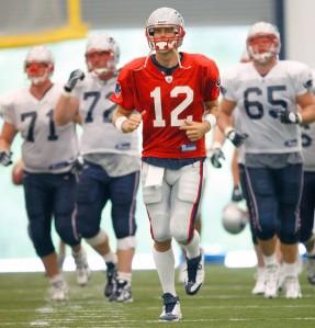 Tom Brady en los minicampos de primavera