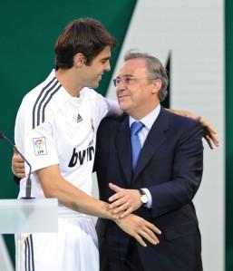 Florentino presentando a Kaká